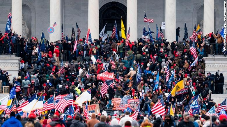 210106175612-03-capitol-protest-security-0106-restricted-exlarge-169.jpg